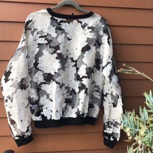 Tildon   Sheer Floral Pullover Top   Small